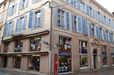 Librairie Deloche, à l'angle de rue de la République et Résistance